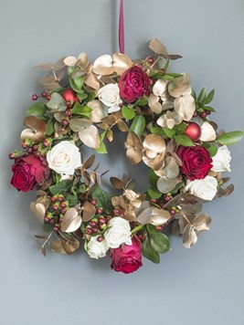 Arrangements: Very Merry Festive Wreath