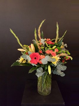 Arrangements: Beautiful mixed vase